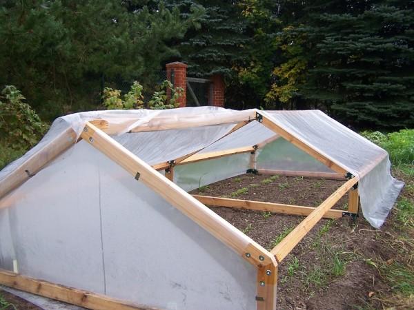 Frühbeet mit Holzgestell 300 x 120 x 60 cm doppelt